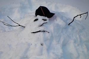 sad-snowman-650x325